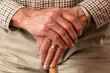Senioren Hände