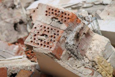 Abbruch Haus Steine