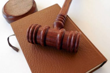 Richter Gericht Hammer Gesetz