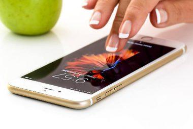 App Smartphone Kindergeld Geburtsurkunde